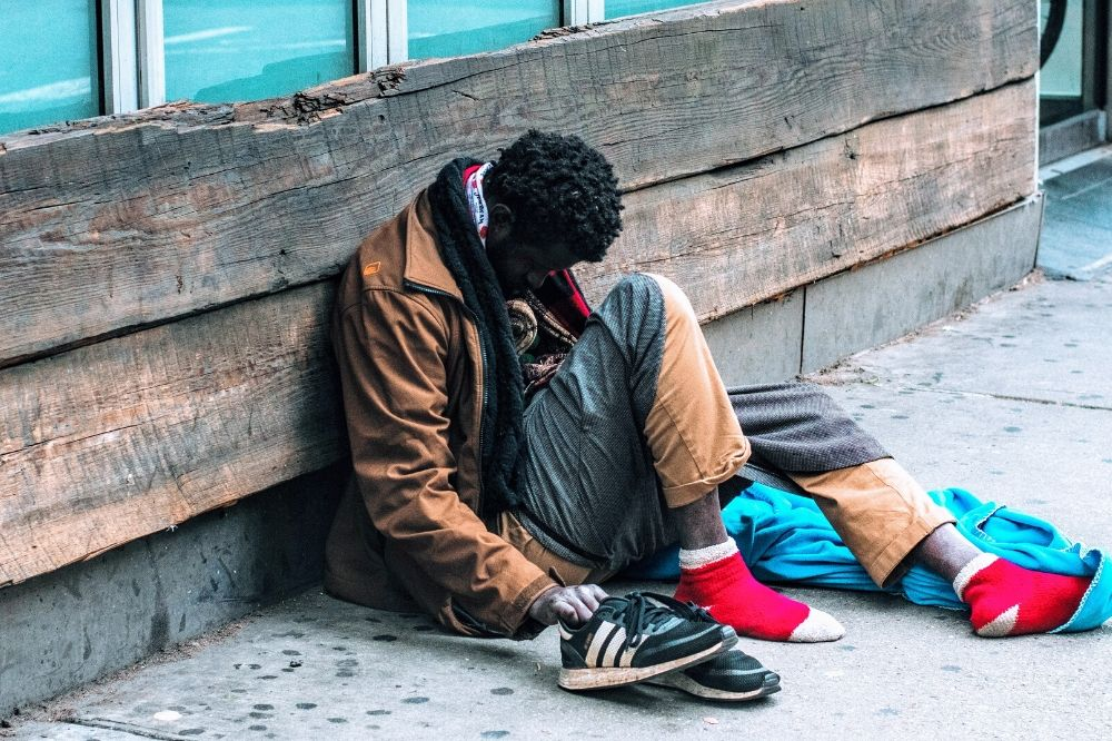 Obdachlosenhilfe Corona Obdachlose armut spenden helfen ehrenamt freiwillig lebensmittel schlafsäcke sachspenden